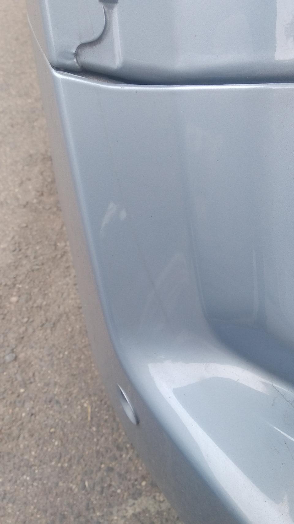 Места контакта крышки багажника и задних крыльев