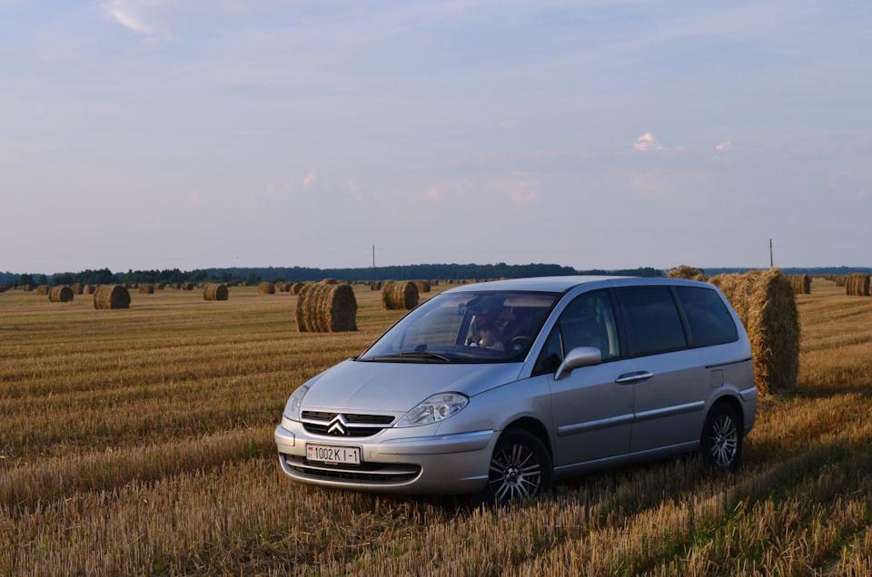 Лето, поле, С8 и тюки!)))))